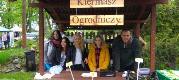 Wiosenny Kiermasz Ogrodniczy w Szkole